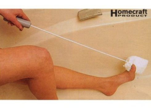 Long handled toe washer and dryer